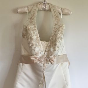 David's Bridal Wedding Gown Size 18W Style 9T9218